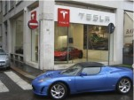 Milan's Tesla Store Opens up