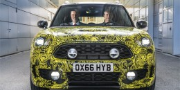 Plug-in hybrid next-generation Mini Countryman teased before launch