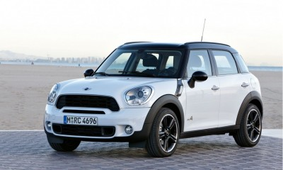2011 MINI Cooper Countryman Photos