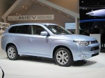 Mitsubishi Outlander Plug-In Hybrid, 2012 Paris Motor Show