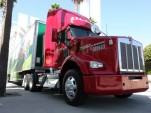 Natural Gas For Long-Haul Trucks: Which Version Makes More Sense?
