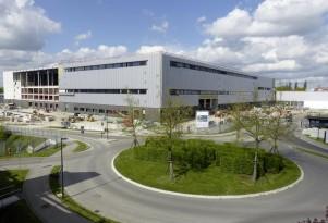 New Mercedes-Benz Crash-Test Facility
