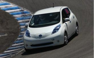 2011 Nissan Leaf Proves It Can Tackle Laguna Seca: Video