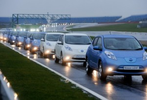 Nissan Leaf Breaks Electric Car Convoy Record With 225 Cars
