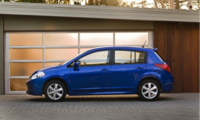 2010 Nissan Versa Photos