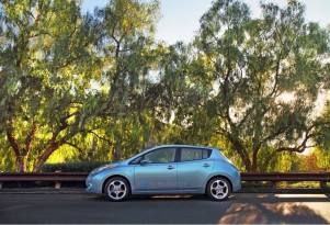 What's Slicker, The Nissan Leaf iAd Or The Nissan Leaf?