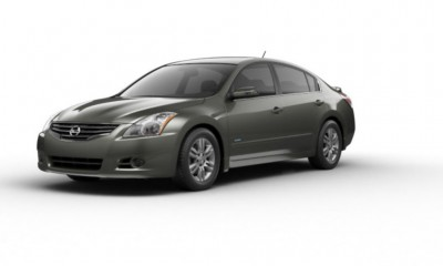 2010 Nissan Altima Photos