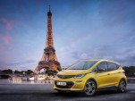 Opel Ampera-e ad highlights 'fun to drive' aspect of electric cars