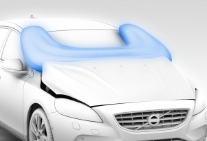 Volvo V40 Comes With An Airbag For Pedestrians: Video