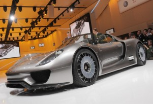Porsche 918 Spyder Concept live in Geneva. Photos  United Pictures, Int'l.