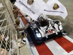 Porsche celebrates Drivers' and Constructors' titles in the 2015 World Endurance Championship