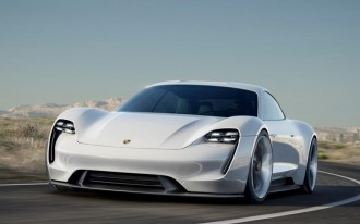 Porsche engineer: Tesla's 'Ludicrous' mode is 'a facade'
