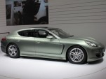 2012 Porsche Panamera S Hybrid live photos 