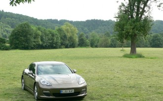 2011 Porsche Panamera, Cayenne: Greener With Auto Start Stop