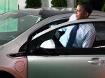 President Obama inspects the 2011 Chevrolet Volt
