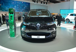 Renault ZOE Electric Car Debuts At Geneva: Live Photos