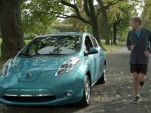 Ryan Reynolds and Ryan Hall in an ad for the 2012 Nissan Leaf