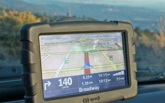 TomTom Offers Roadside Assistance To Users Of iPhone App & GPS Devices