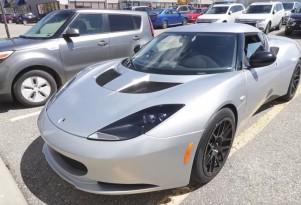Speed Academy builds a Lotus Evora with Tesla Model S power