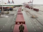 Strongman Magnus Samuelsson in stunt for Volvo Trucks