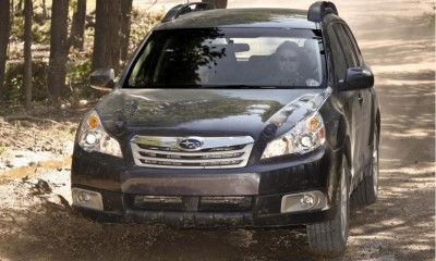 2010 Subaru Outback Photos