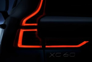 Teaser for 2018 Volvo XC60 debuting at 2017 Geneva auto show