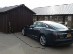 Tesla Model S charging en route during New York to California road trip  [photo: David Noland]