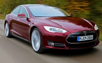Red-Light Cameras, Tesla Model S Flaws, 2013 BMW X3 Driven: Car News Headlines