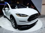Tesla Model X CES 2015 walkaround by TechVideo screencap