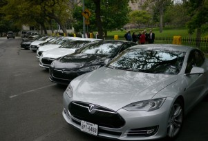 Texas restores $2,500 electric-car purchase rebate, except for Teslas