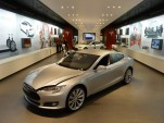 Tesla Dodges Traditional Dealerships—And Questions Remain
