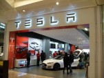 Tesla Stores don't hard-sell shoppers; this baffles dealership groups