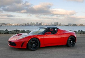 After Model X, Tesla To Sell Cheaper Electric; 2015 Roadster To Follow