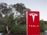 Tesla Motors Stock Drops 16 Percent, Analysts Pile On Worries