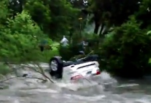 Texas Jeep Demonstrates Danger Of Flash Floods