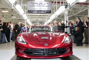 The first 2013 SRT Viper rolls off the assembly line