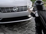Video: VW Gears Up For Super Bowl XLV With Tiny Vader, Beetle Stampede