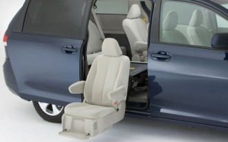Video: Toyota Adds Auto Access Seat To Sienna Minivan