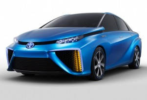 Toyota To Launch Production Fuel-Cell Vehicle At CES In Las Vegas