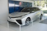 Will The Toyota Fuel Cell Sedan Target The Tesla Model S?