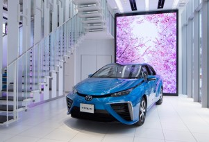 Hydrogen for fuel-cell vehicles made from wind energy in Japanese test