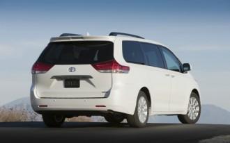 Minivan Wars: 2011 Toyota Sienna SE vs. 2010 Honda Odyssey EX