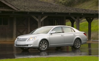 2010 Toyota Avalon: Smooth, Roomy, And Tranquil