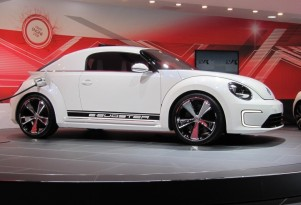 2013 VW e-Bugster Electric Concept: 2012 Detroit Auto Show Video