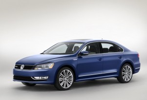 Volkswagen Passat BlueMotion Concept: High-MPG Model At Detroit Auto Show