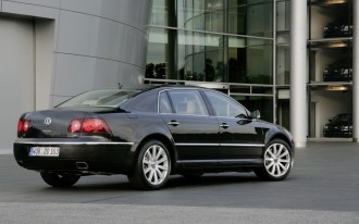 VW Resuscitates Phaeton with New Infotainment, Improved Drivetrains
