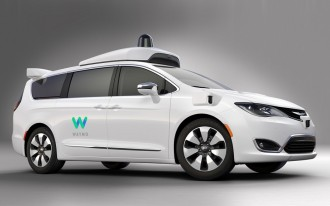 Waymo & FCA are building 100 self-driving Chrysler Pacifica Hybrid minivans