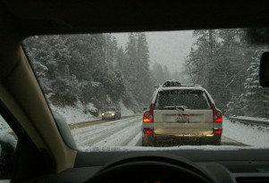 How To Survive A Snow Storm In Your Car