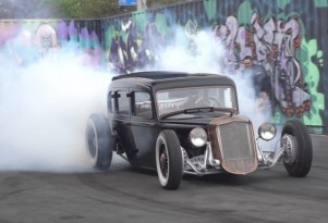 1933 Plymouth hot rod does a burnout
