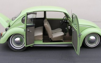 Link Love From The Car Connection: MINI Es Arrive, Beetle Up For Bid, And Making Your Car Look Like A Golf Ball Won't Help (Much)
